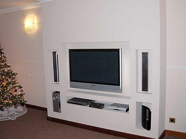 Телевизор в нише из гипсокартона