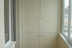 шкаф ГК на балконе