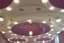 Гипсокартонные потолки с подсветкой