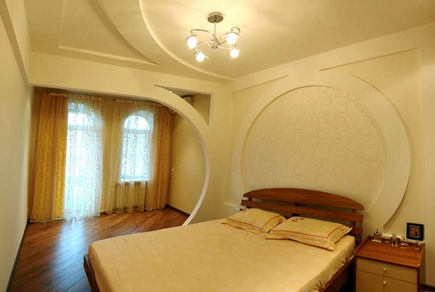 Потолок в спальне из гипсокартона