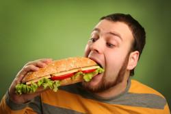 Жирная еда - причина возникновения заболевания